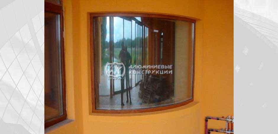 Выгнутое окно. г. Киев, 2007 год.