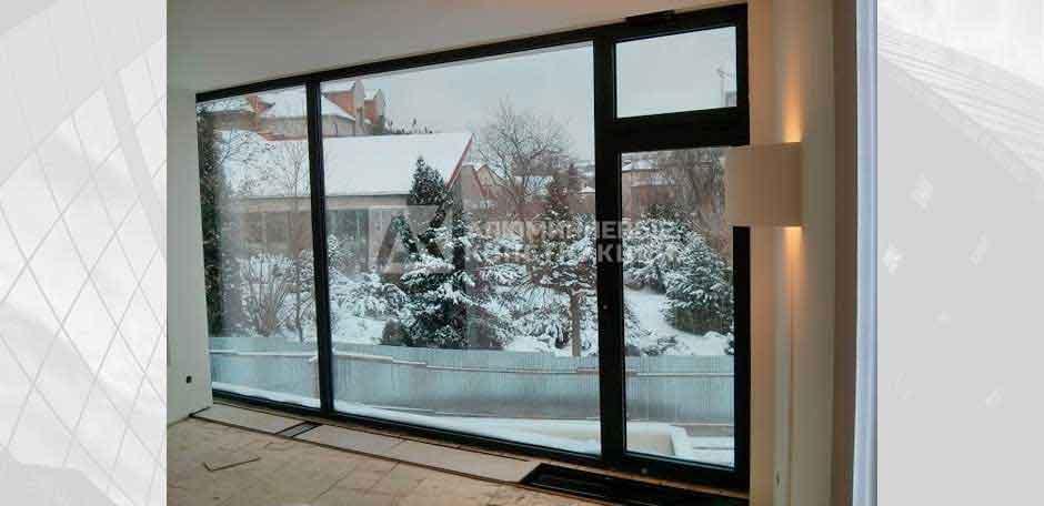 Панорамне вікно у будинку. м. Київ, 2013 рік.