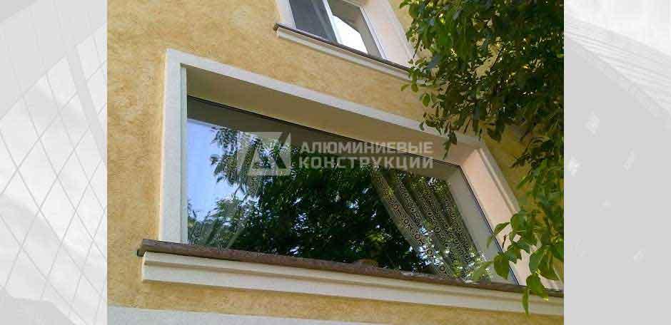 Панорамне вікно у будинку. м. Київ, 2005 рік.