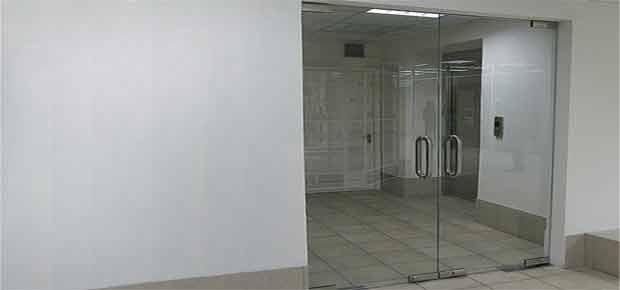 Маятникові двері для офісу
