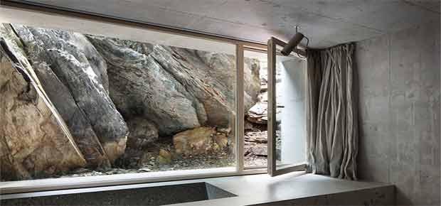 Поворотно-відкидні вікна для будинку